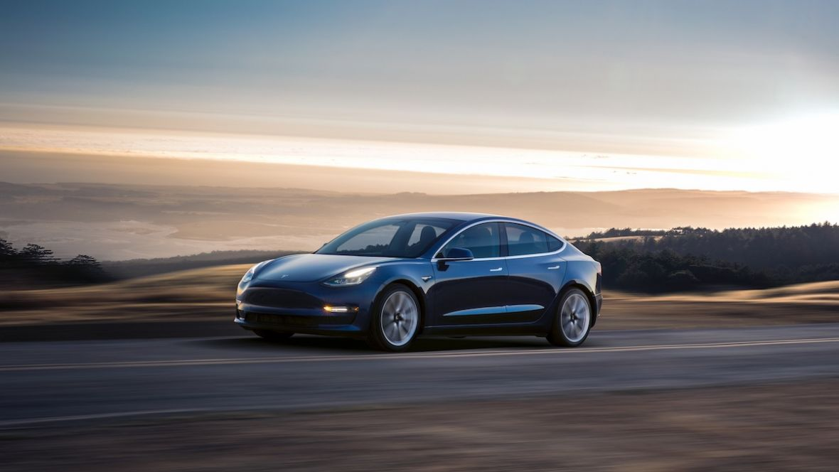 Akcje Tesli tracą na wartości. Tym razem czary Elona Muska nie pomogły