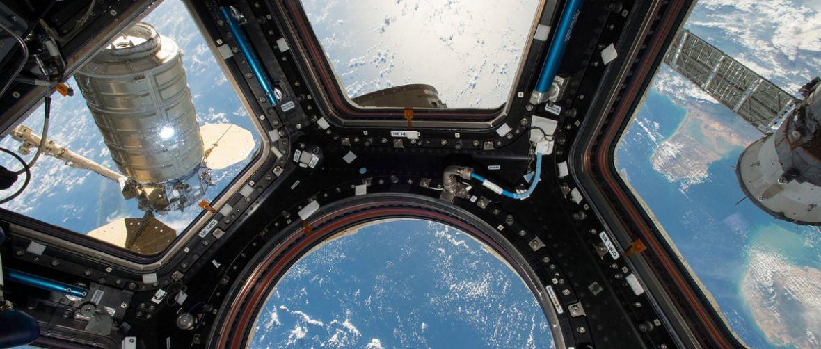 Szykujcie się na piękne zdjęcia. Na ISS dotarło właśnie 10 nowych Nikonów D5