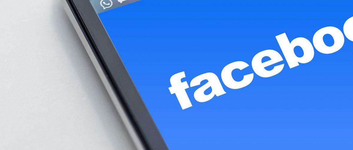 Facebook poczęstuje cię porcją linków. Wszystko po to, byś nie padł ofiarą fake news