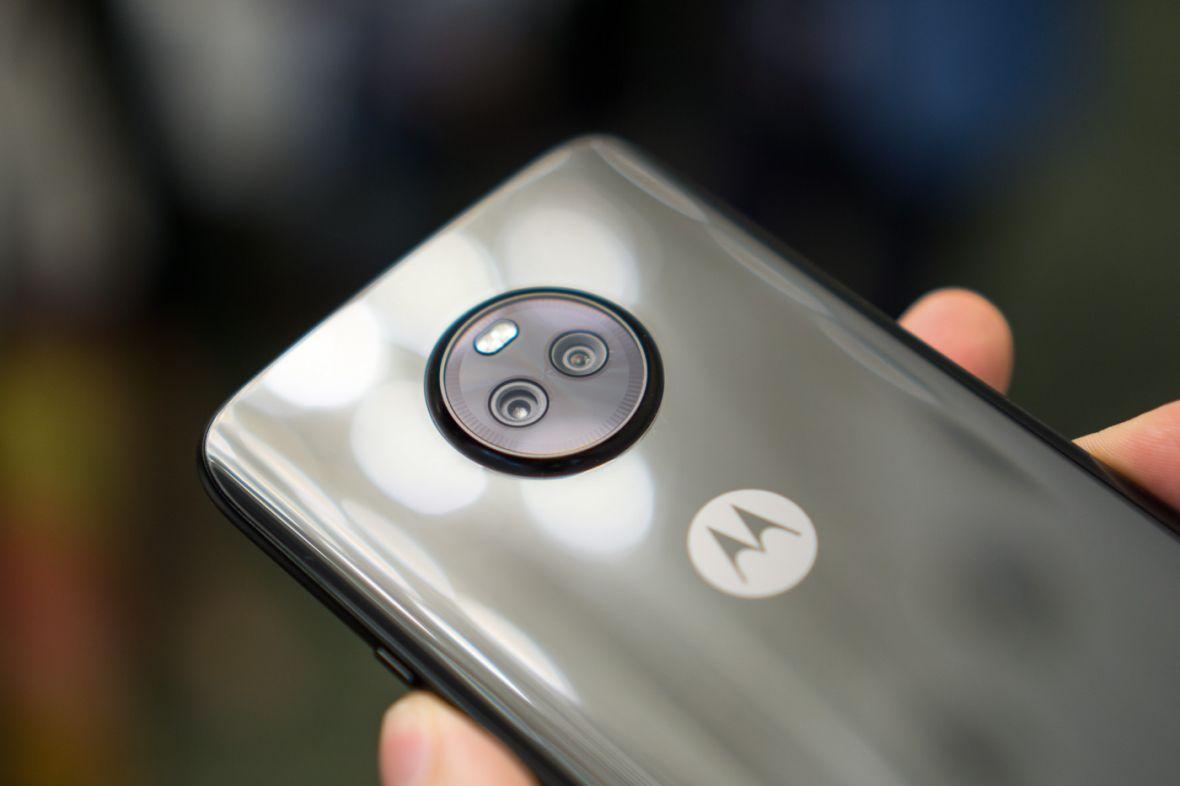 Nowa Motorola Moto X4 zgrabnie balansuje między ceną a możliwościami – pierwsze wrażenia