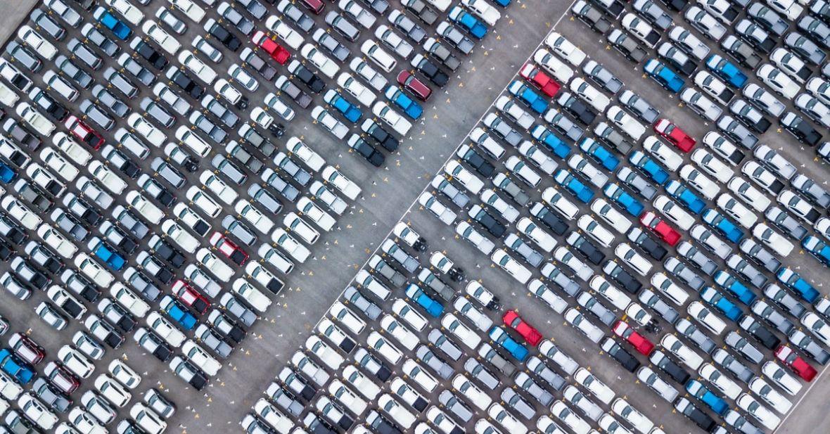 Miejsca do parkowania będziemy szukać w aplikacji. Warszawa wprowadzi system e-parkowania