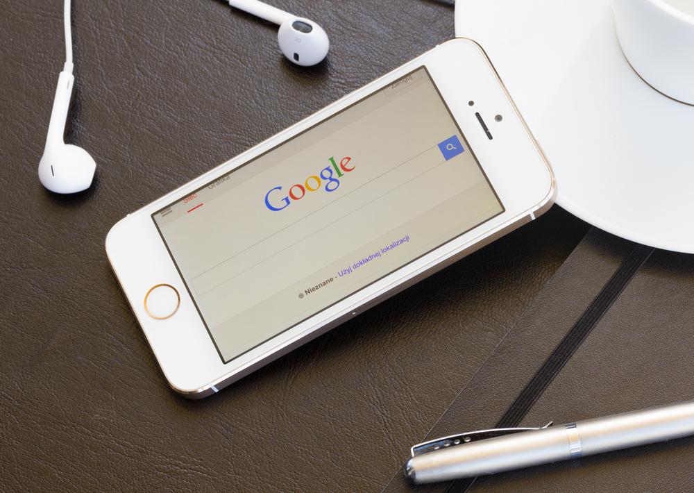 Apple i Google mają… rosnący problem z Google'em na iPhonie