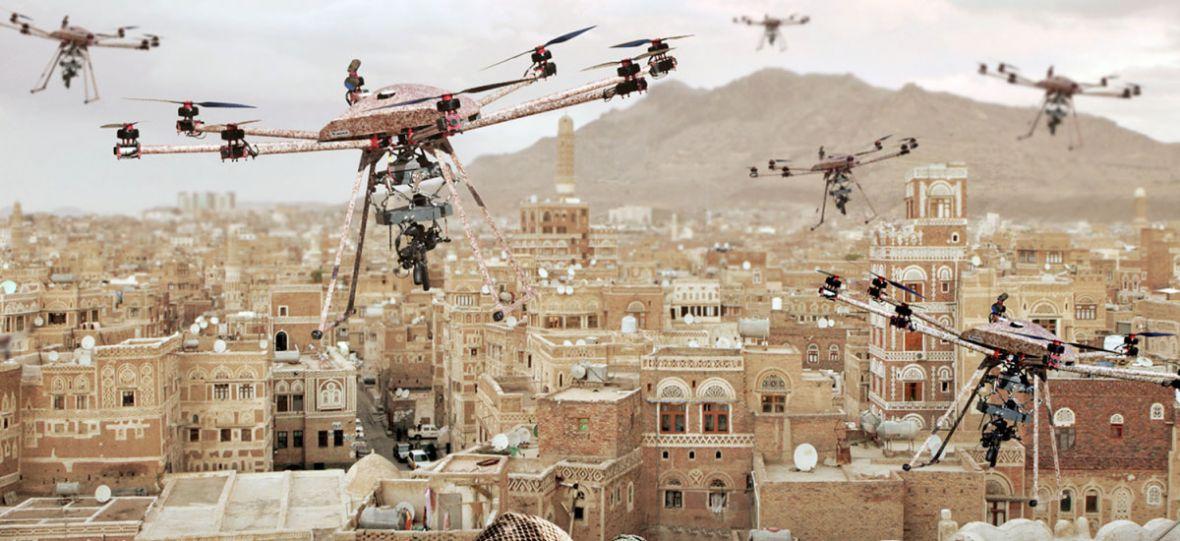 A gdyby tak zamiast kamery, wyposażyć drona w karabin? Wojsko jest zachwycone tym pomysłem