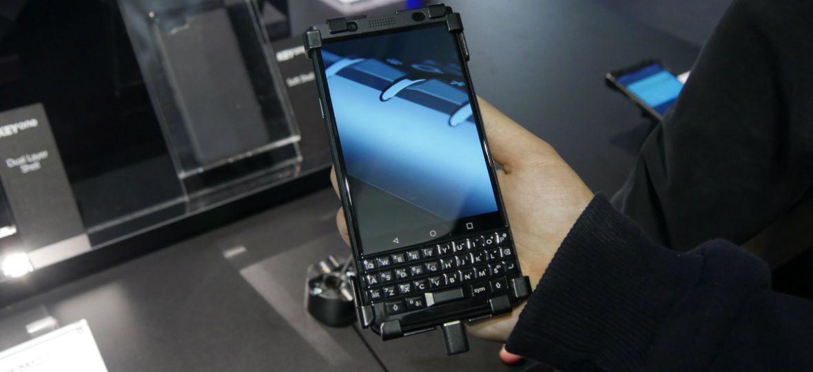 Fani fizycznych klawiatur dopięli swego – BlackBerry KEYone Black Edition pojawi się w Europie