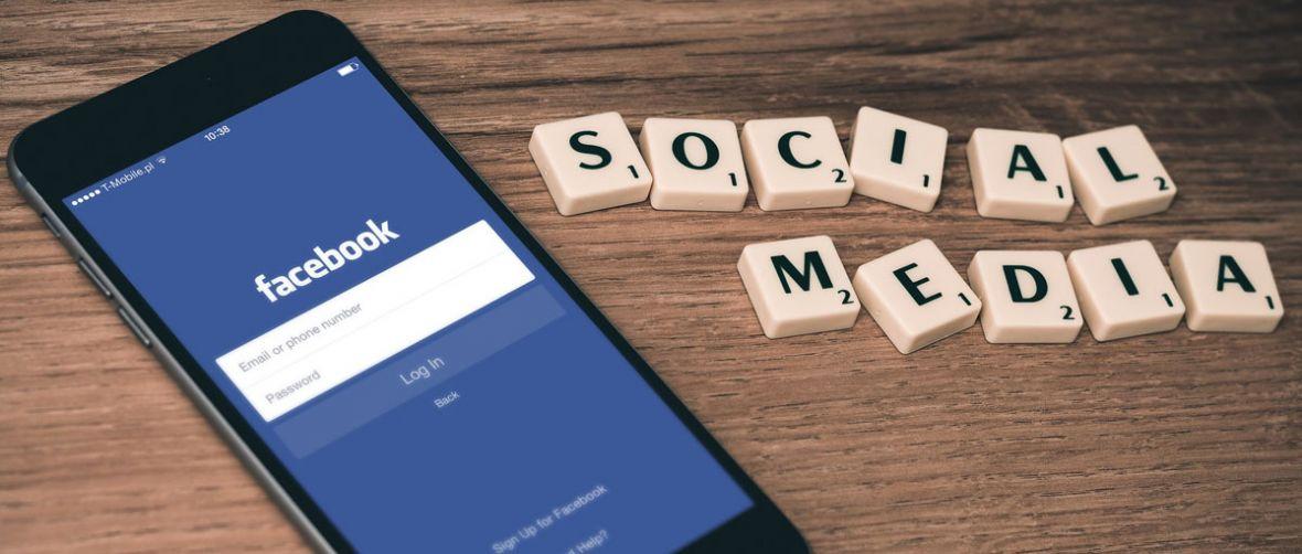 Politycy w mediach społecznościowych pozostają bezkarni. Ban im nie grozi