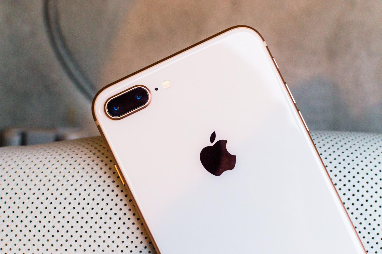 Wspaniały iPhone 8 Plus po tygodniu używania - największe wady i zalety GR96