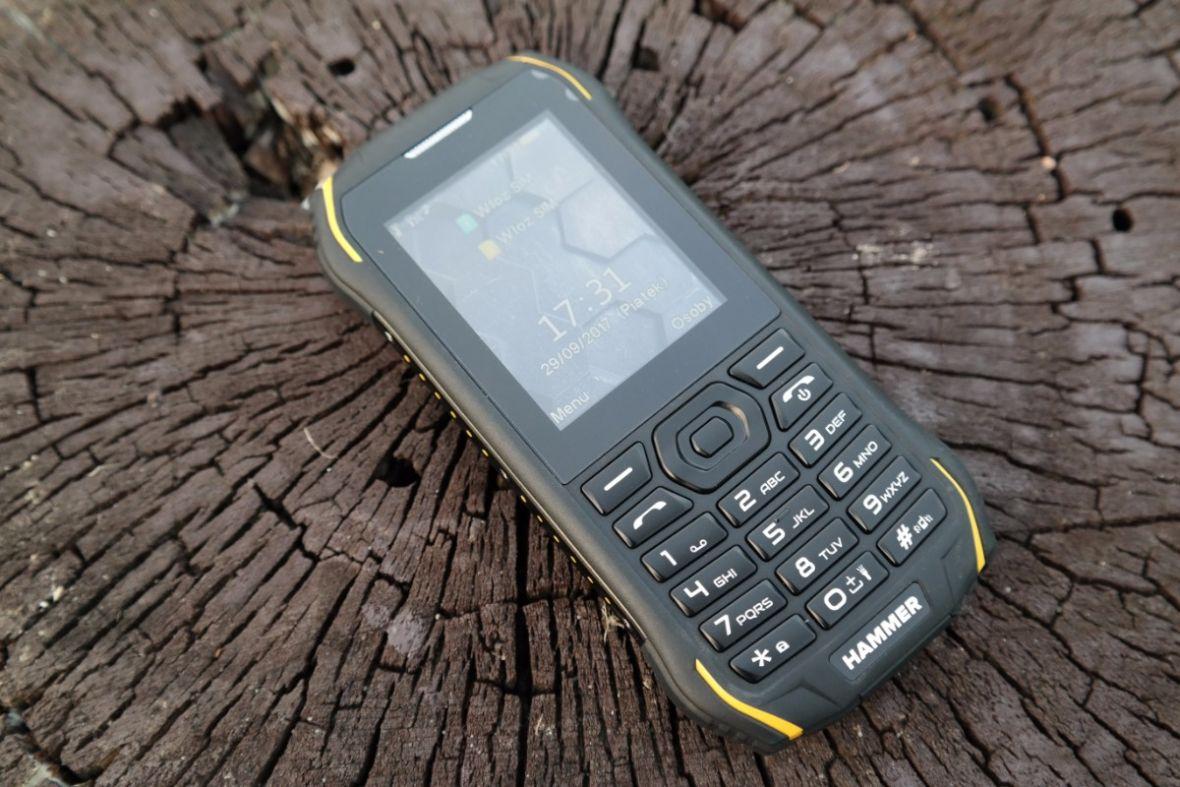 Hammer Delta to jeden z najtańszych wzmacnianych telefonów na rynku. Od dziś w Biedronce