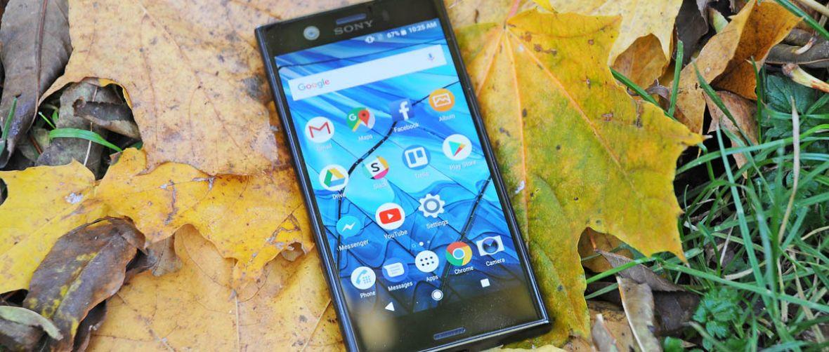 Idealny telefon dla tych, którzy nie grają smartfonami w ping ponga. Sony Xperia XZ1 Compact – recenzja Spider's Web
