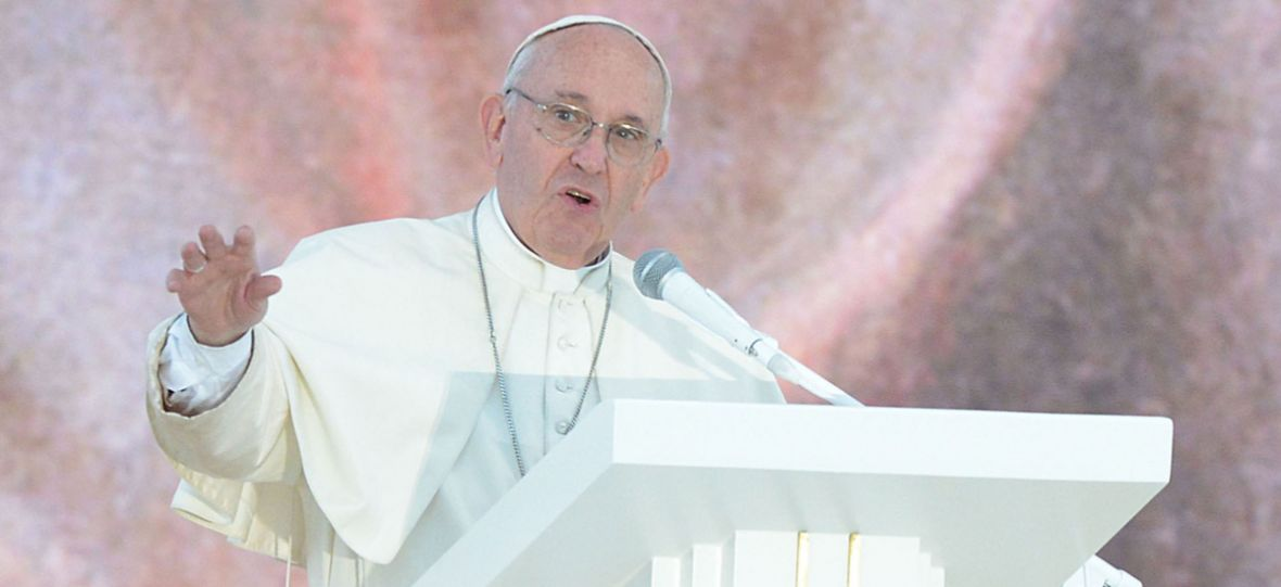 """Są wyniki badań – Papież Franciszek oficjalnie częściej obrażany przez czytelników """"wPolityce.pl"""" niż """"NIE"""""""