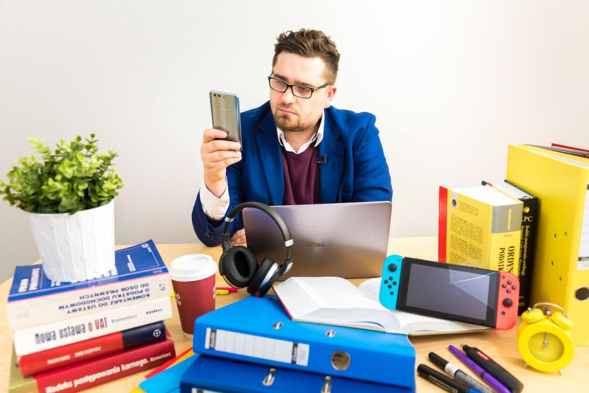 Najlepsze elektroniczne gadżety dla pracowników naukowych oraz pracowników biurowych