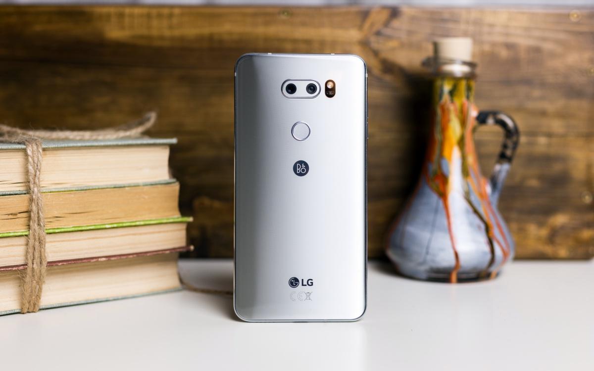 Jaki smartfon do 1500 zł - LG V30