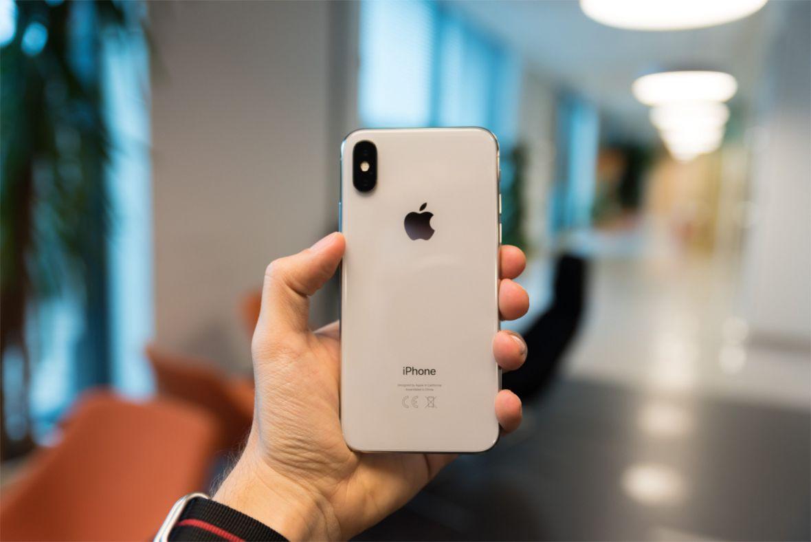 Jak właściwie obsługuje się nowego iPhone'a X? Pokazujemy na 10 świetnych GIF-ach