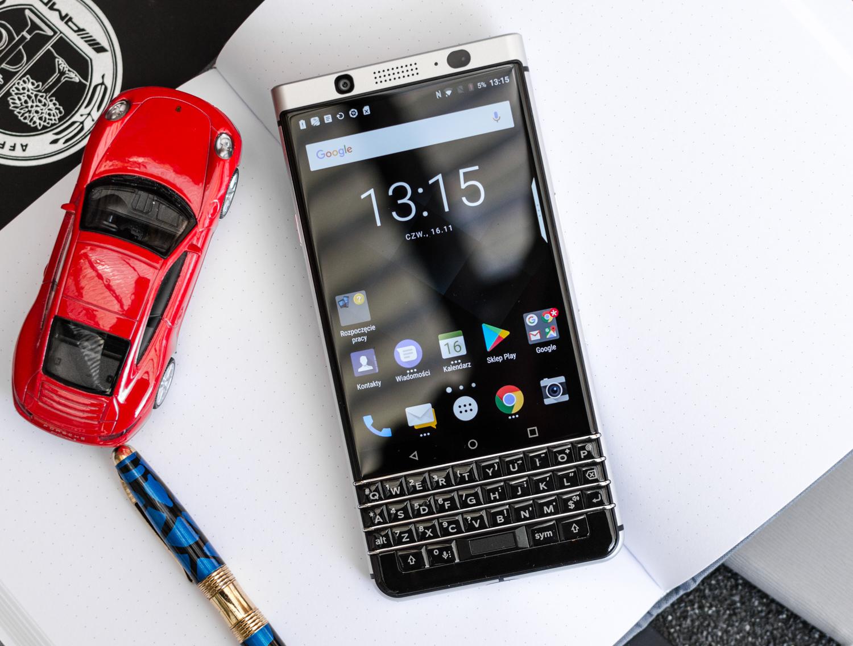 Jaki smartfon do 1500 zł - BlackBerry KeyOne