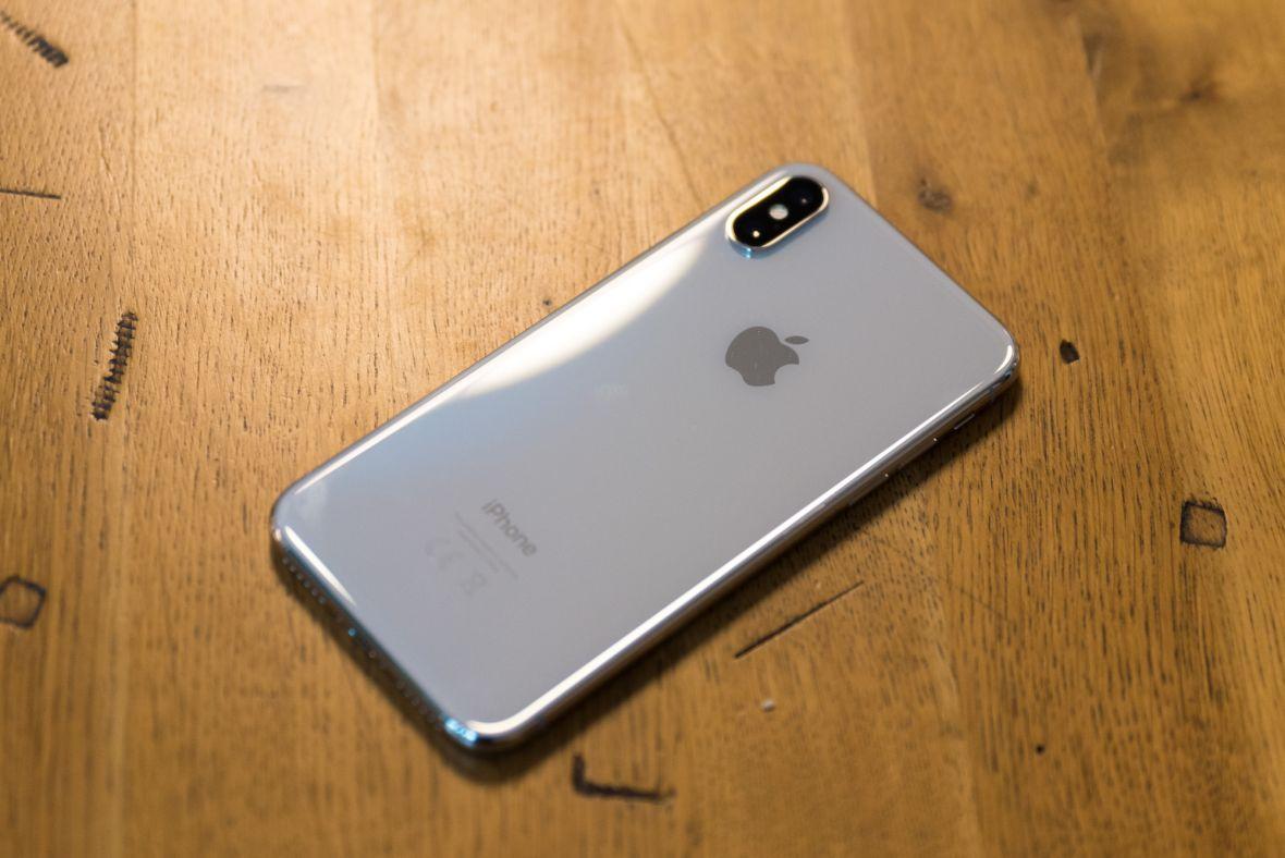 Sprzedali mi zepsutego iPhone'a X. Co gorsza, nie tylko mnie