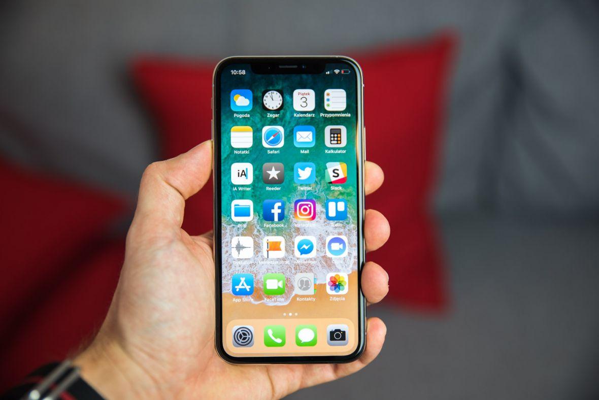 Apple naprawia iPhone'a X i rozwiązuje problem, którego nie mają inżynierowie z Kalifornii