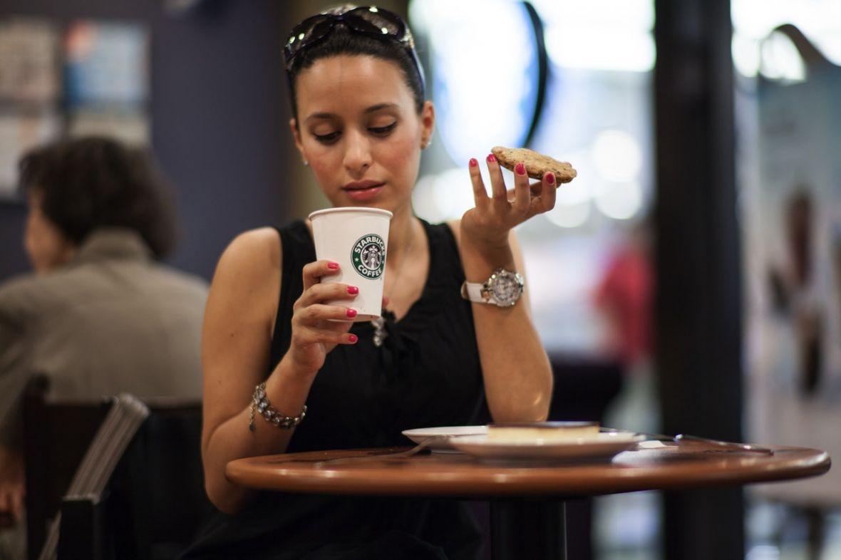 Tim Cook wyjaśnia: wystarczy jeść szczaw i mirabelki, a iPhone X nie będzie wcale taki drogi