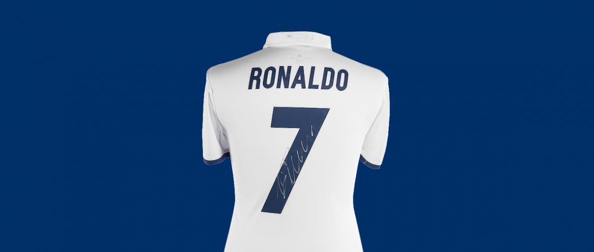 Konkurs z koszulkami podpisanymi przez Ronaldo i Bale'a. Przedstaw własną drużynę marzeń