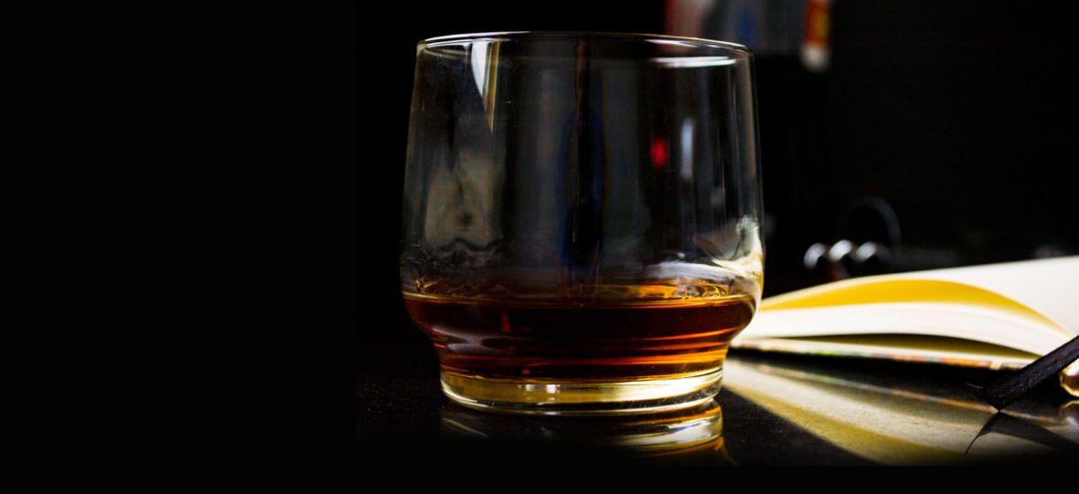 Trzydziestoletnia whisky w kilka tygodni? Z pomocą producentom przyszła nauka