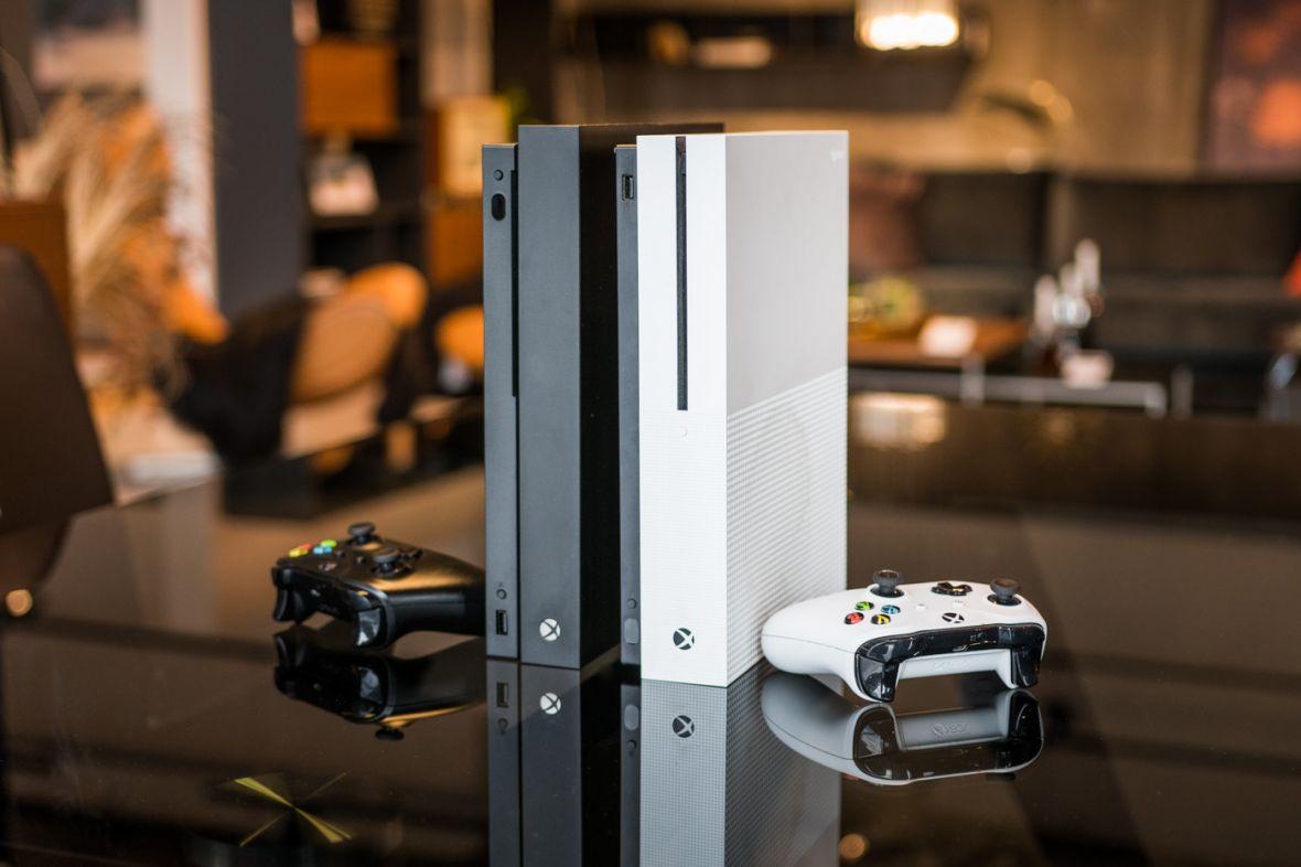 Xbox One X w świetnej promocji: zestaw z dwoma grami kosztuje mniej niż 1800 zł