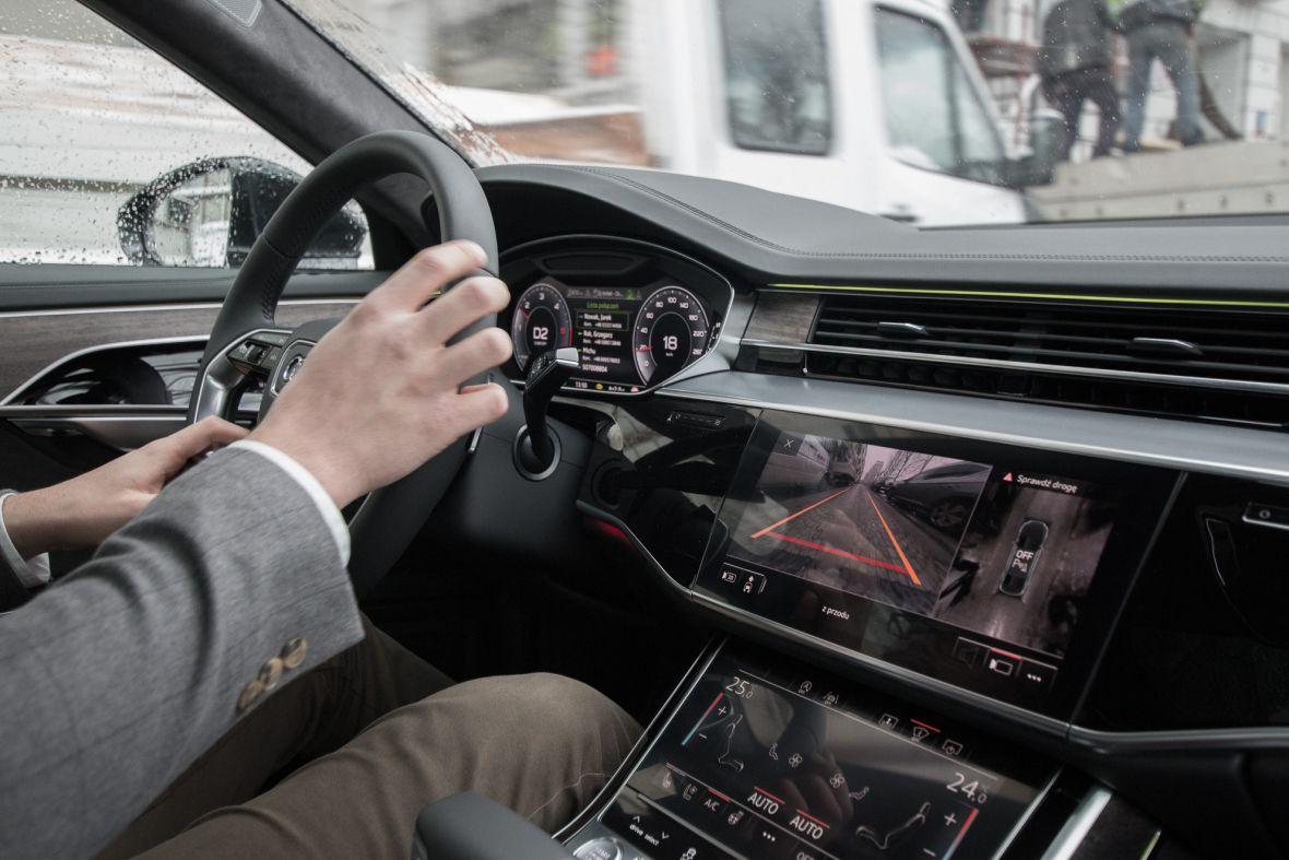 Sala koncertowa na czterech kołach to mało powiedziane. System audio w Audi A8 to technologiczny majstersztyk