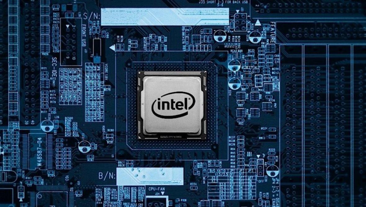 Poprawki eliminujące błędy Spectre i Meltdown mogą powodować restarty komputerów. Także tych nowych