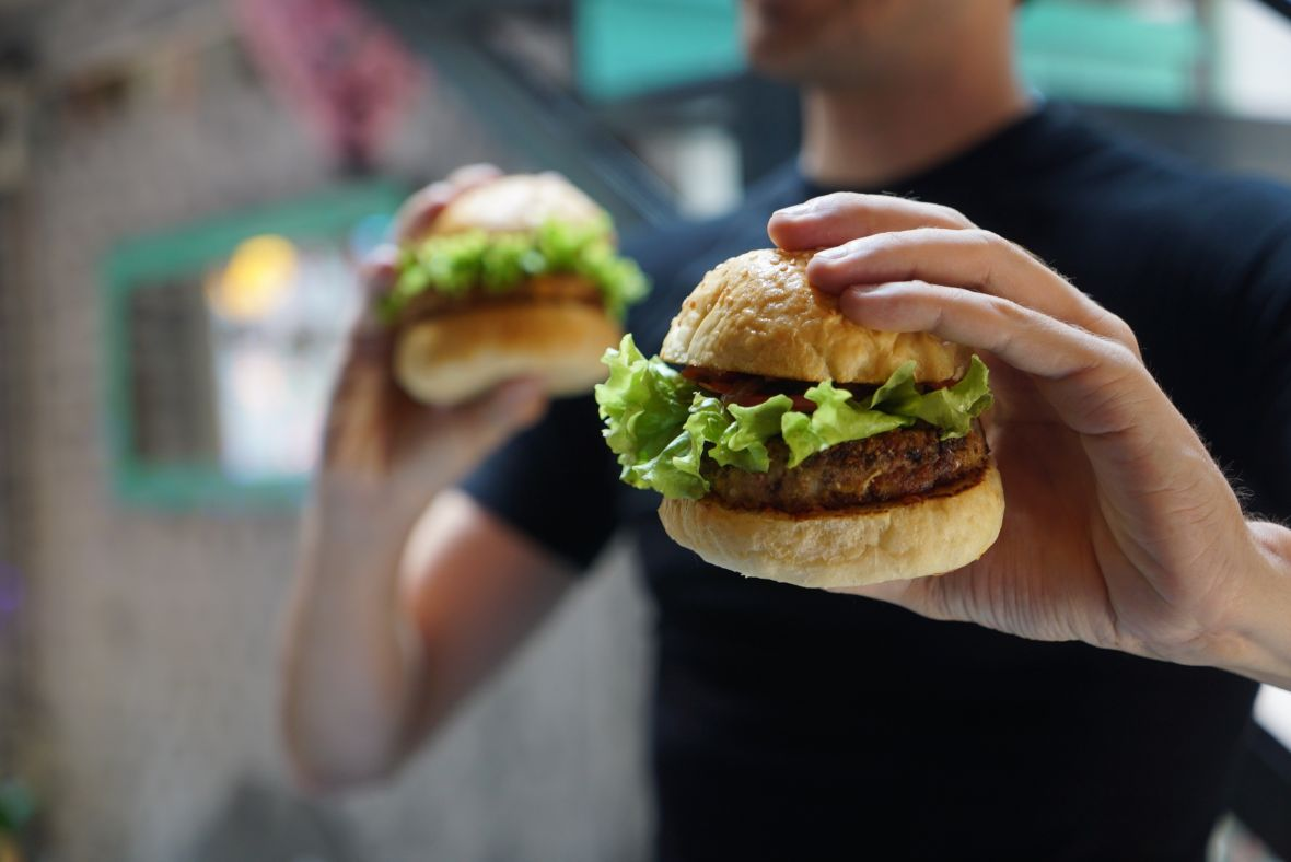 Food Holder powinien zainteresować McDonald's i KFC. Polacy wymyślili genialną tackę do fast foodów