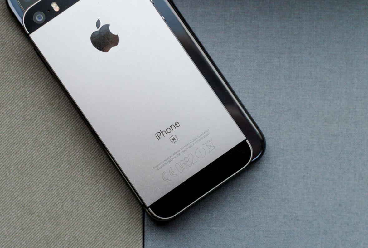 Zmieniłem iPhone'a SE na X i mam jeden wniosek – iPhone SE to wciąż genialny sprzęt