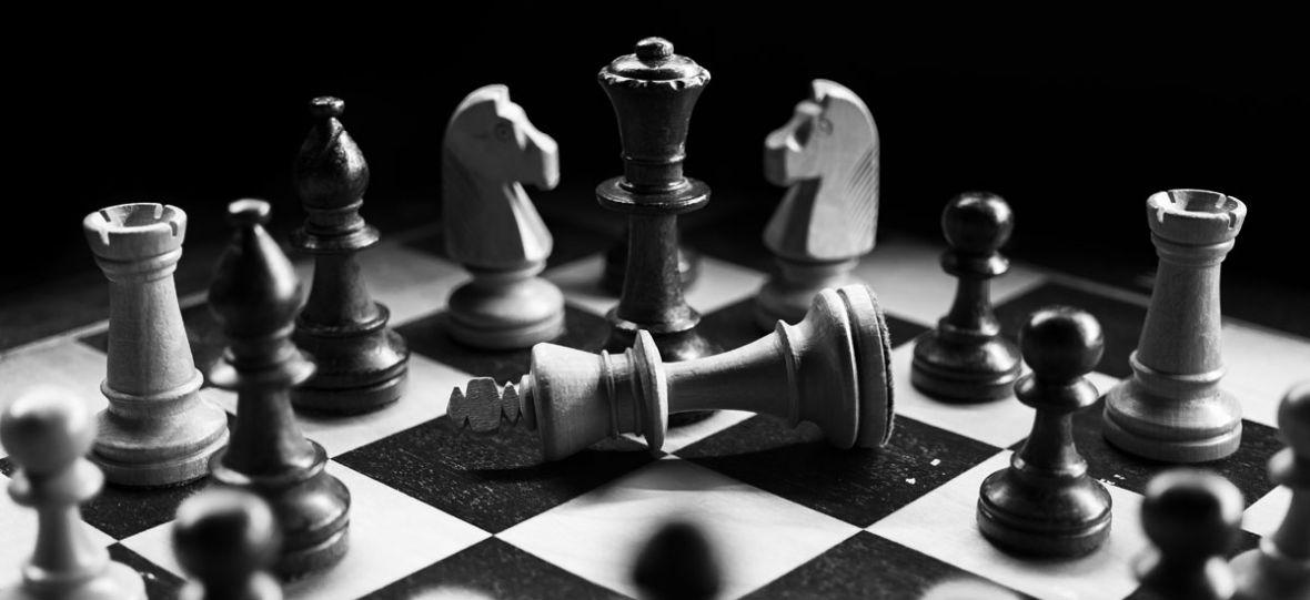 Sztuczna inteligencja pokonała arcymistrzowski program szachowy. Ludziom zostało kibicowanie