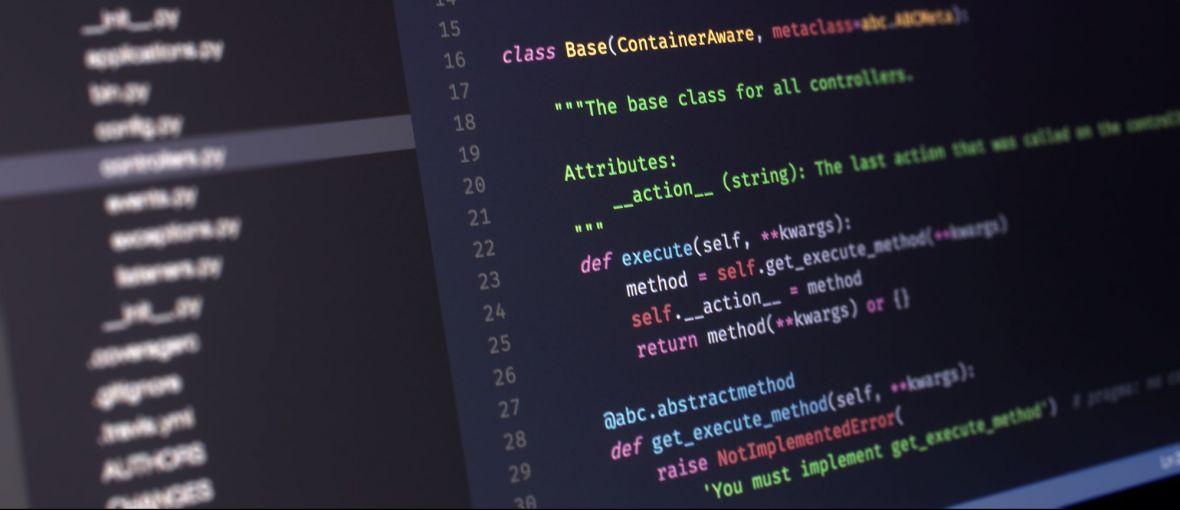 Język programowania, który jest oczkiem w głowie NASA. Python nie ukąsi, jeżeli podejdziesz do niego z odpowiednim kursem