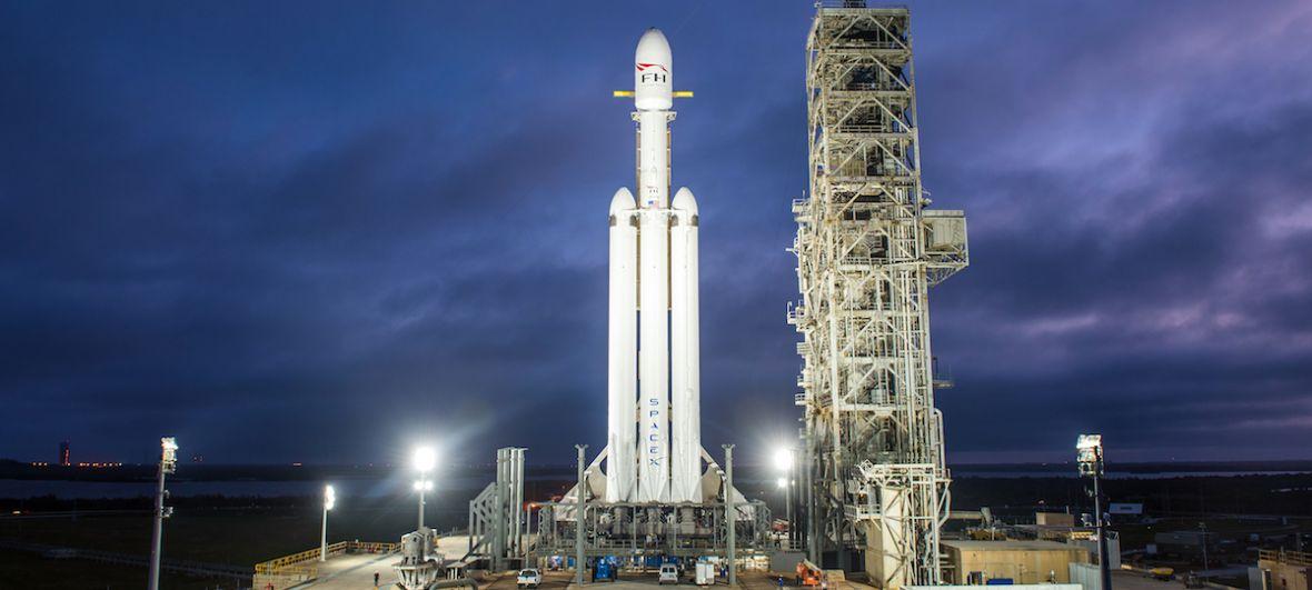 Falcon Heavy wystartuje już dziś. Rakieta SpaceX zabierze w kosmos Teslę
