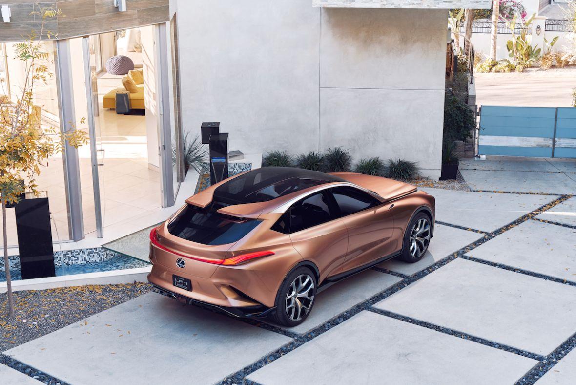 Przepiękna bestia. Tak wygląda Lexus LF-1 Limitless, który… może nigdy nie powstać