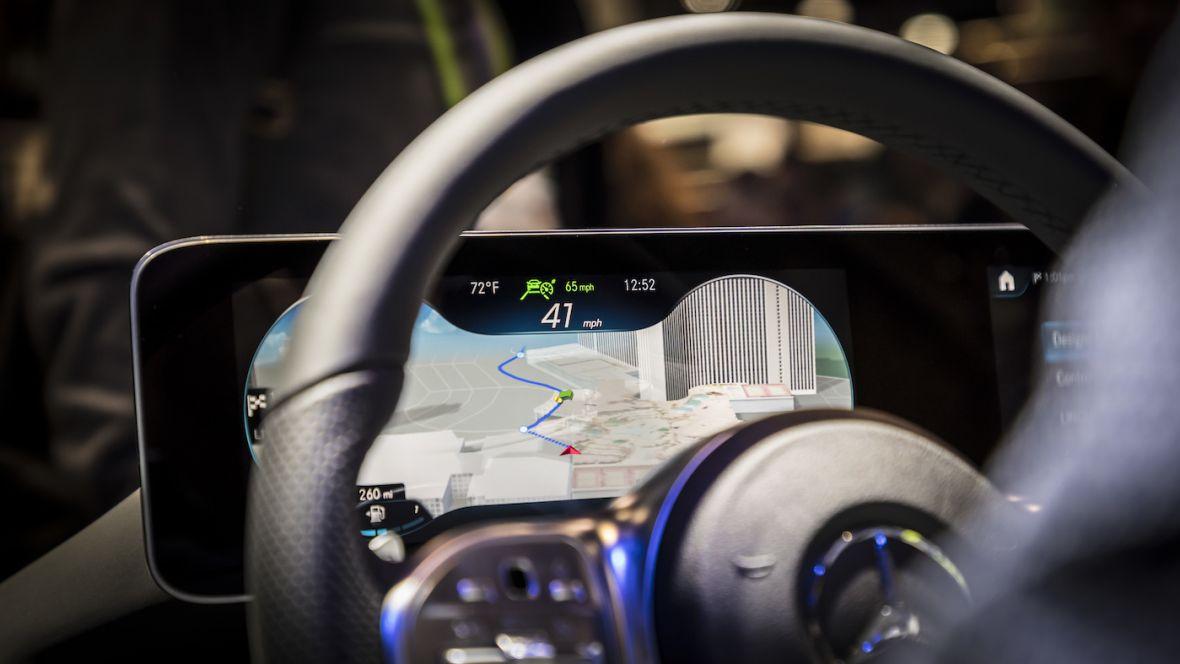 Mercedes robi rewolucję w kokpicie. Zacznie od nowej Klasy A