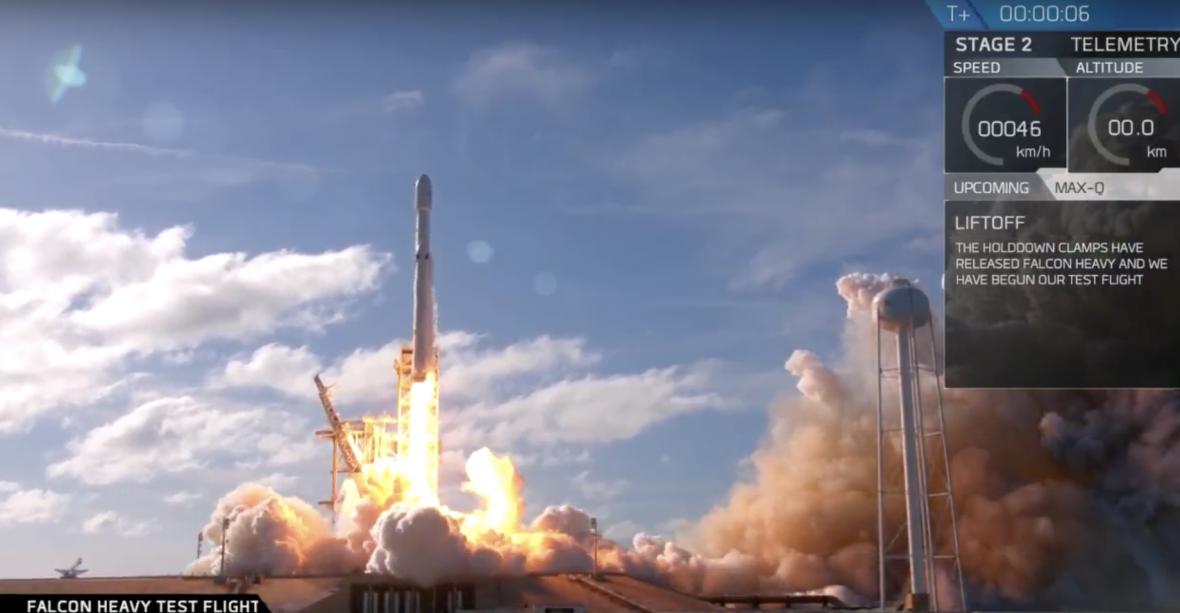 Start rakiety Falcon Heavy okazał się sukcesem. Tylko jeden człowiek może wysłać ludzi na Marsa – Elon Musk