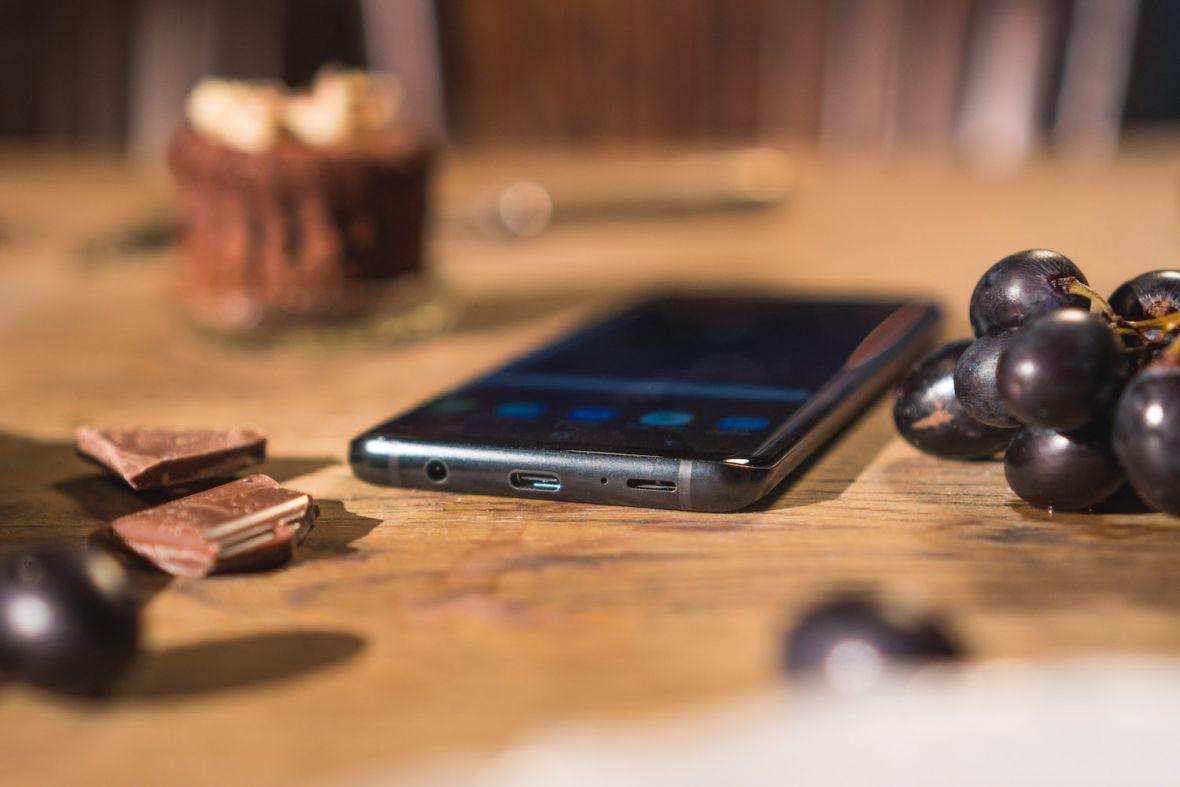 Samsung pokazał smartfon niemal idealny i jakoś wcale nie kwapi się, by naśladować Apple