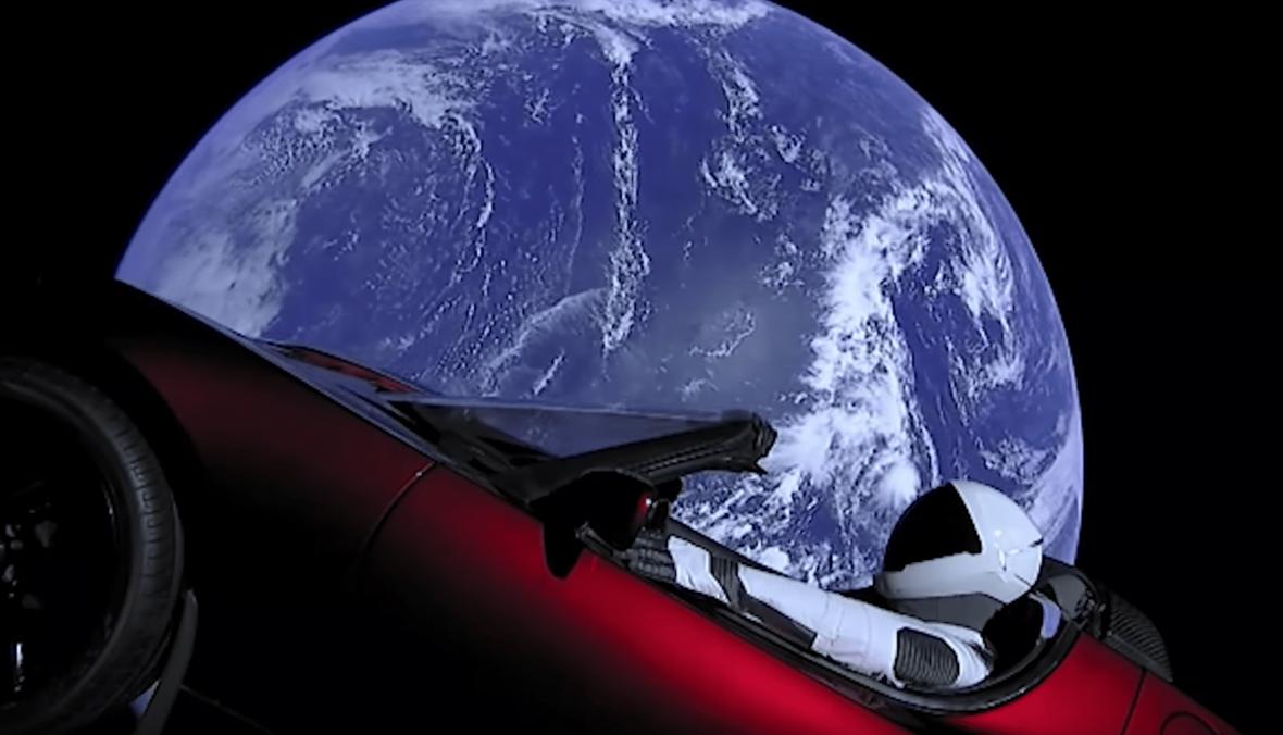 Zastanawiałeś się, dokąd dojechała Tesla Roadster wystrzelona w kosmos? Teraz możesz to sprawdzić