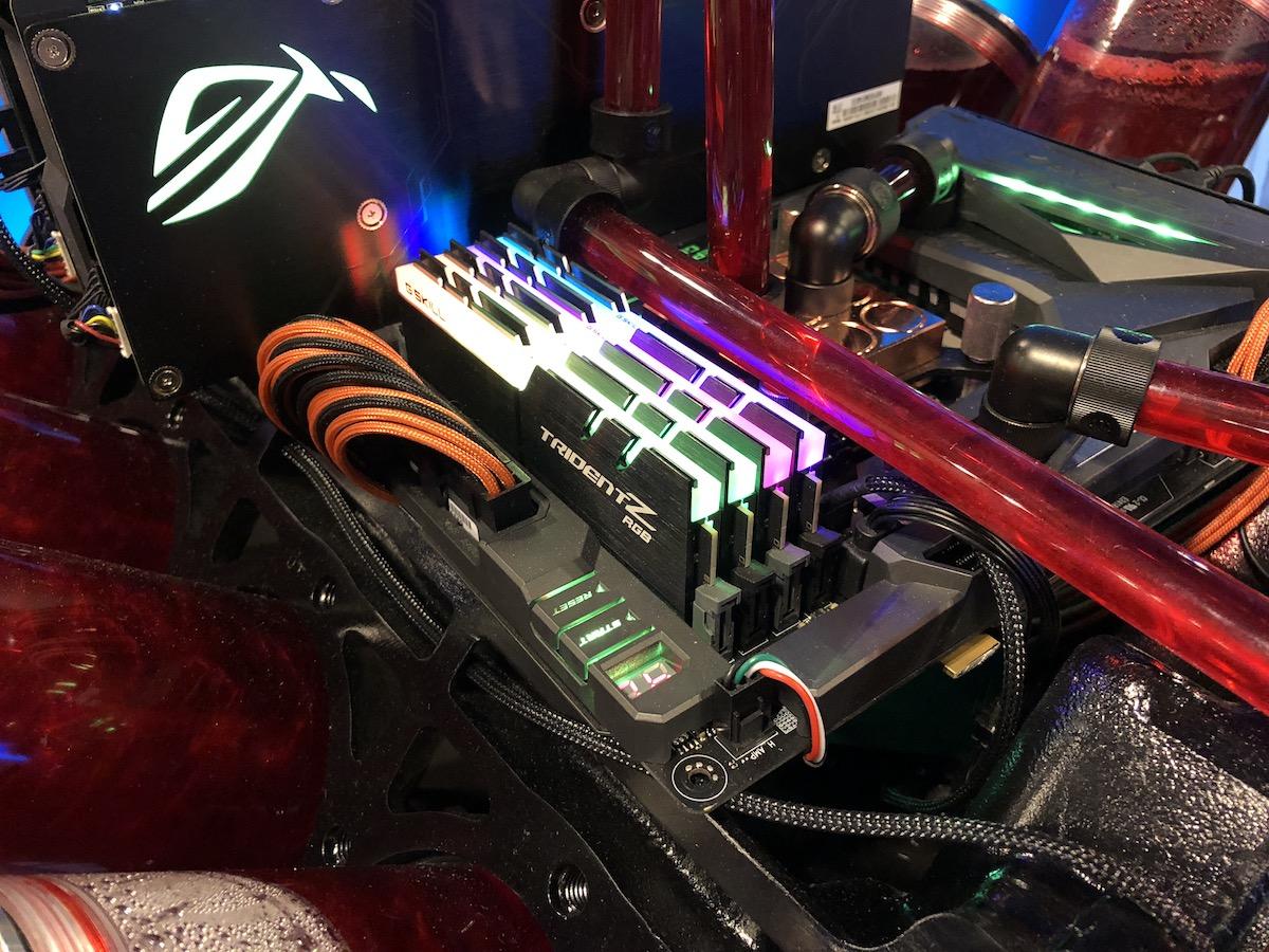 Asus V8 Mod IEM 2018 13