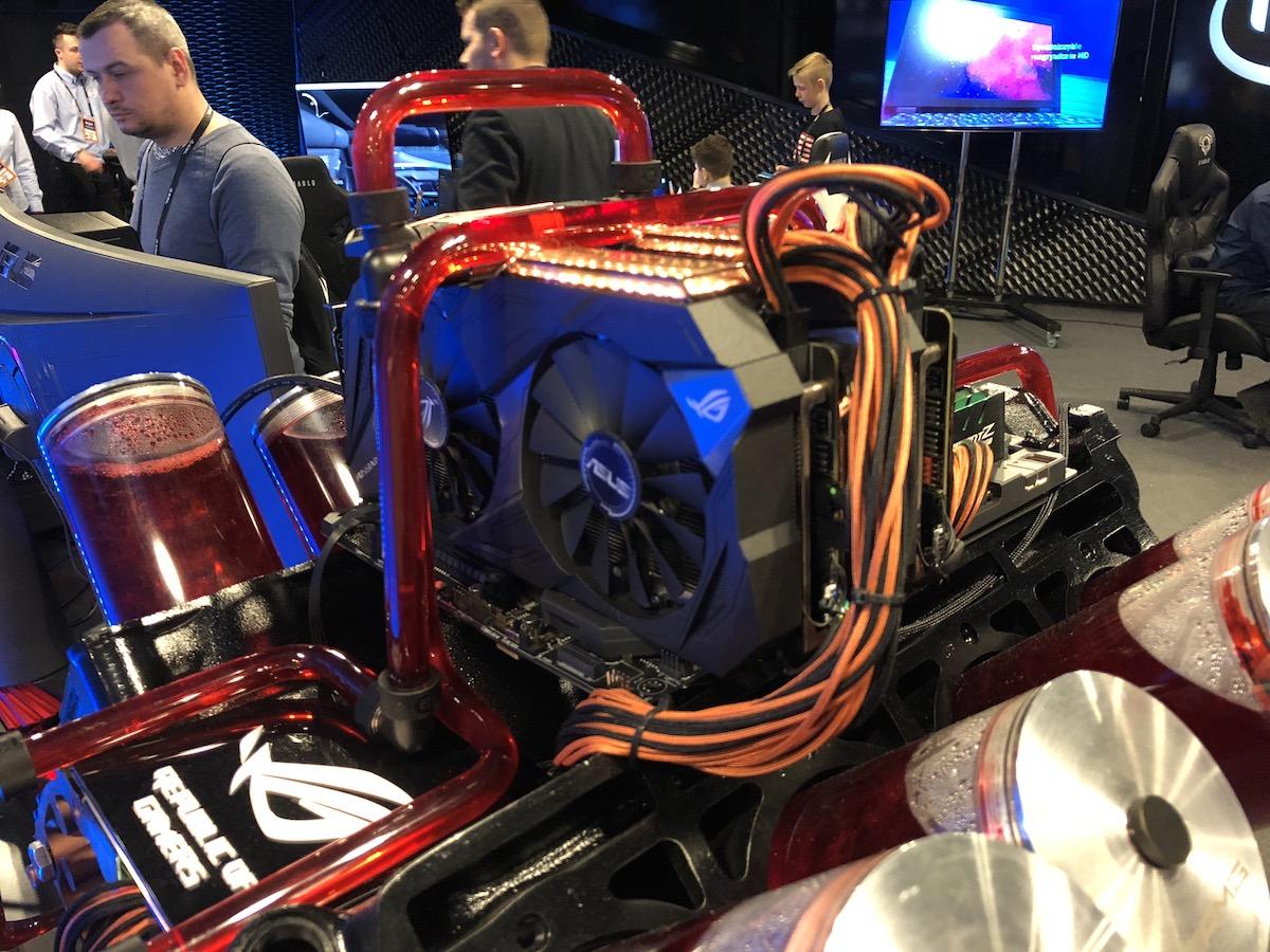 Asus V8 Mod IEM 2018 12
