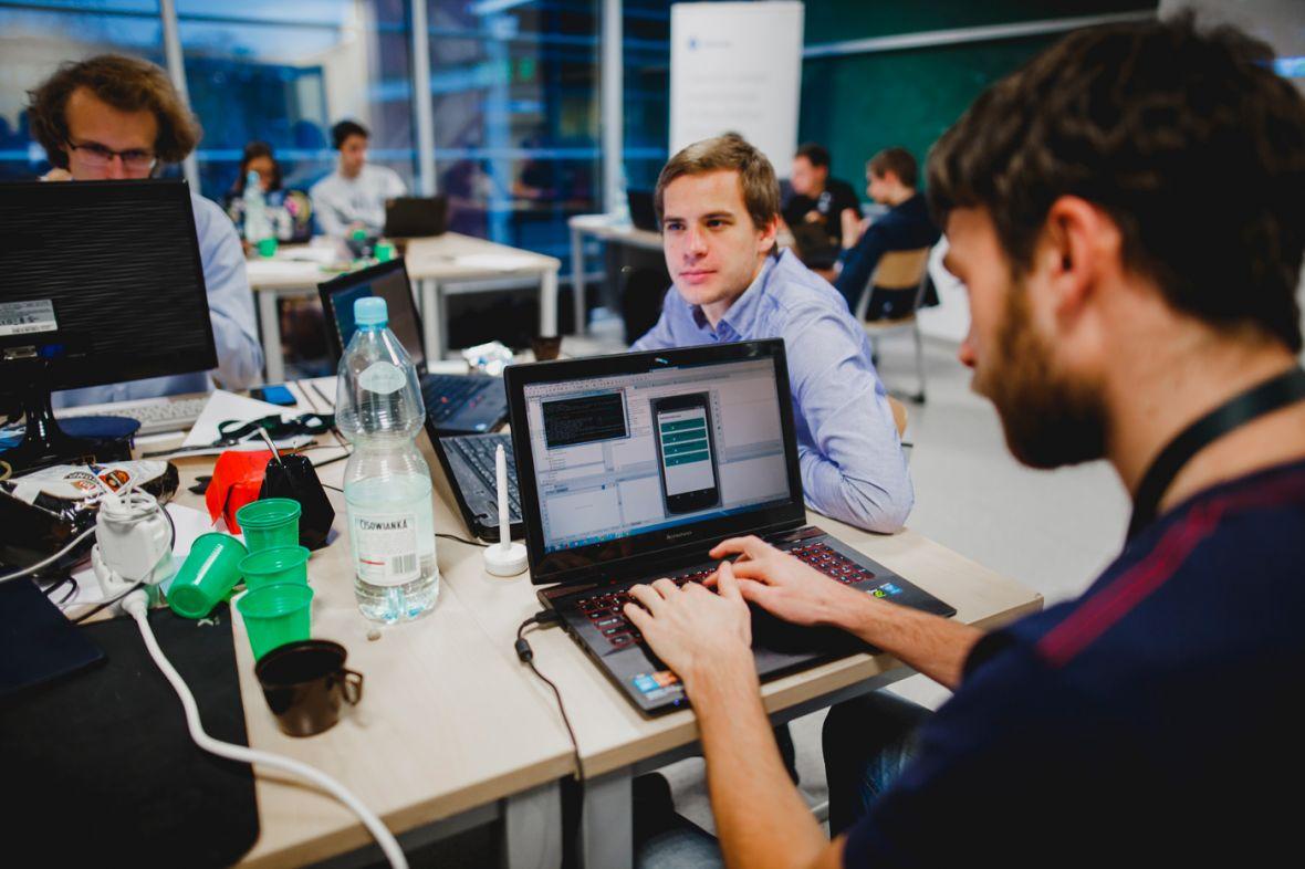 Polscy studenci stworzyli GPS dla niewidomych, który przeprowadzi ich przez korytarze uczelni
