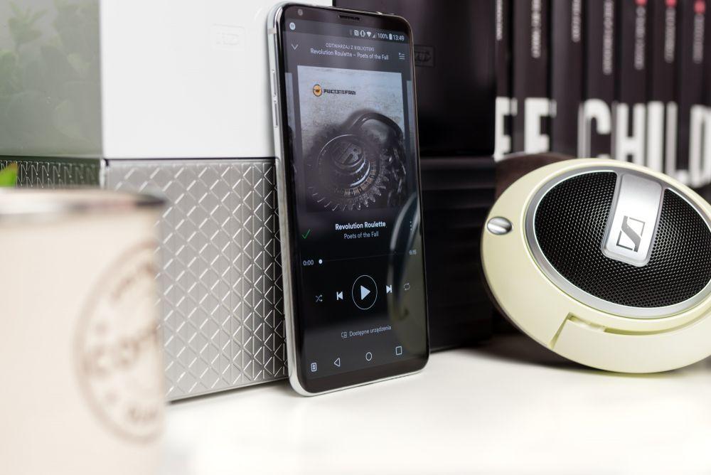 Smartfon muzyczny pobierający muzykę w wysokiej jakości z serwisów streamingowych - Spotify i Tidal.