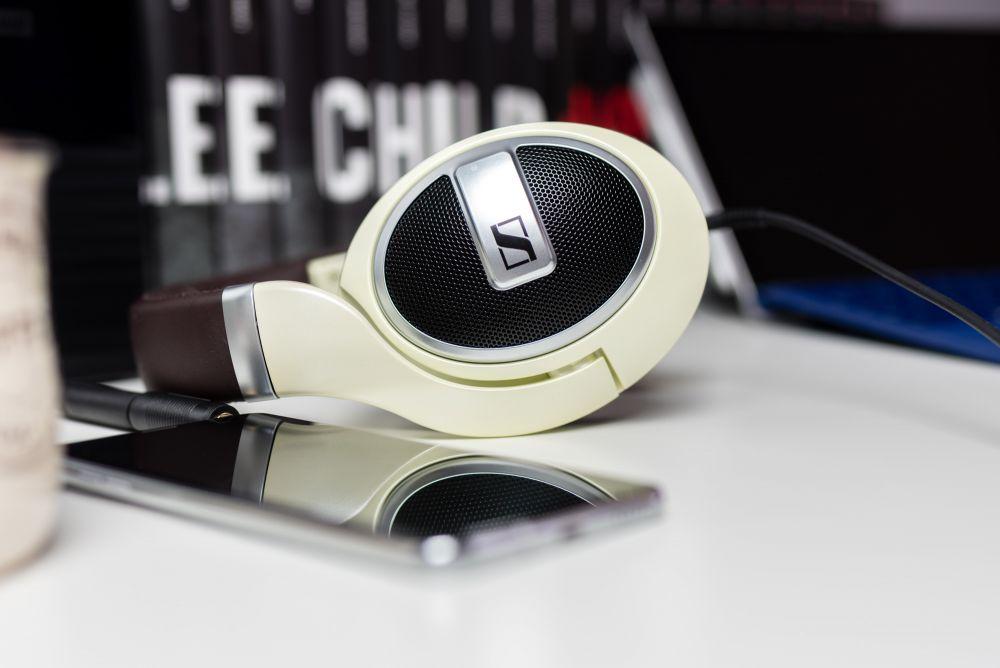 Telefon do słuchania muzyki z bezstratnym przesyłaniem dźwięku: Hi-Res Audio, LDAC, MQA i aptx HD.