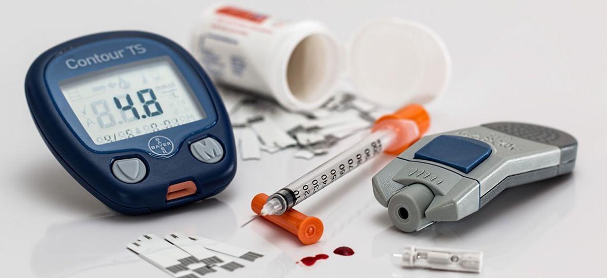 Asystent cukrzycy i asystent astmy to nowe produkty od Play. Tak, od tego operatora