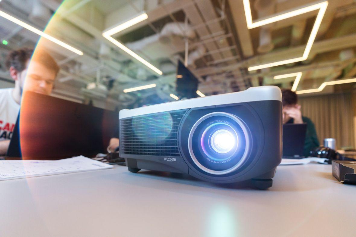 CanonHackathon, czyli jak w 24 godziny dać projektorom nowe życie
