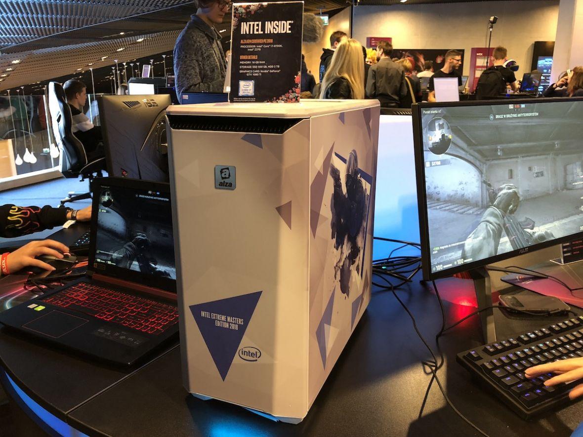 Wielkie skrzynki i potężne laptopy. Tak wyglądają najlepsze komputery dla graczy na IEM 2018