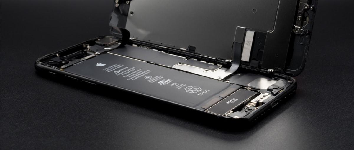 Spowalnianie iPhone'ów bez tajemnic – jak włączyć/wyłączyć i o co właściwie chodzi w najważniejszej zmianie w iOS 11.3?
