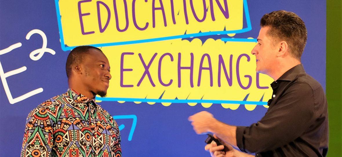 PR-owy strzał w dziesiątkę. Microsoft uhonorował afrykańskiego nauczyciela, który wykładał informatykę używając kredy i tablicy