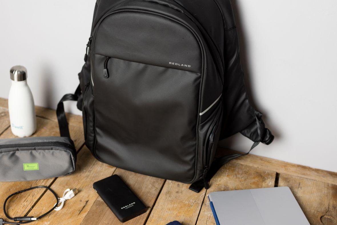 Stylowy plecak z powerbankiem w gratisie. Redland Jonah – recenzja