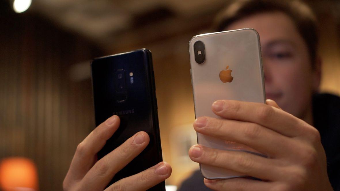 Co ja właśnie zobaczyłem? Samsung porównał Galaxy S9 do jakiegoś starego iPhone'a i cieszy się, że jest szybszy