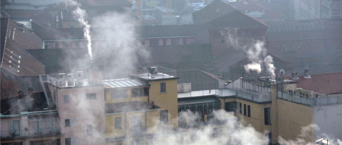 Mandat za zanieczyszczanie powietrza to ponury żart. Badanie popiołu bywa droższe od samej kary