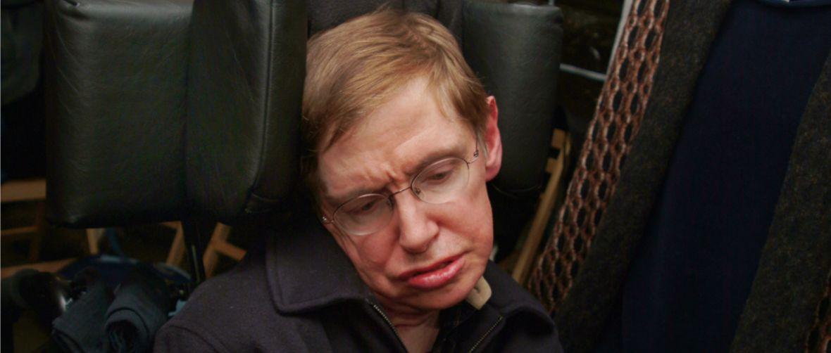 To symboliczny gest, ale bez znaczenia dla nauki. Słowa Stephena Hawkinga wysłano do czarnej dziury