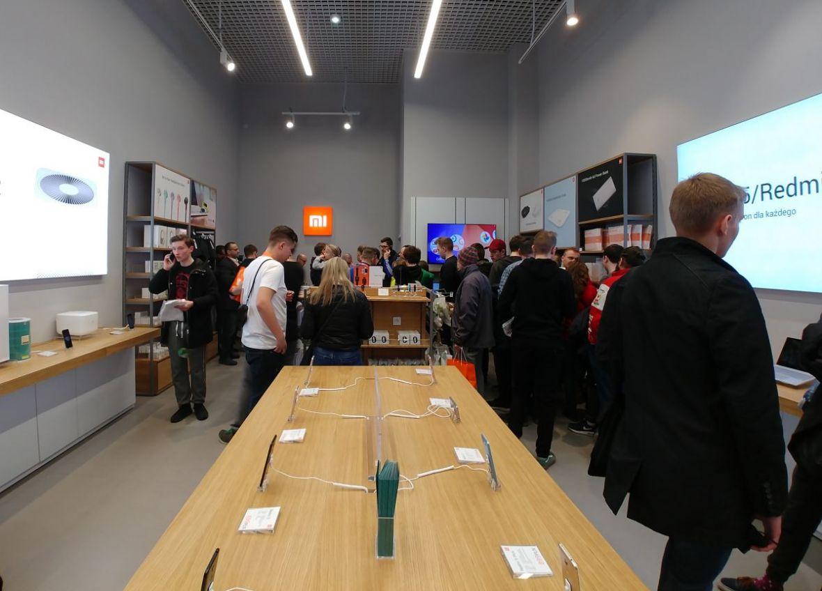 Czytam relację z otwarcia salonu Xiaomi w Polsce i nie zanoszę się śmiechem, choć powinienem